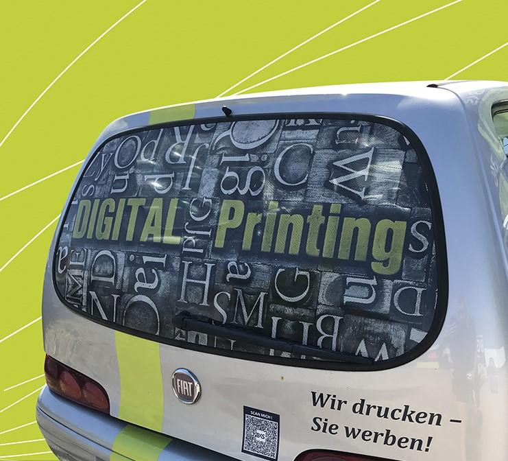 Fahrzeugbeschriftung Digital Printing Fensterlochfolie