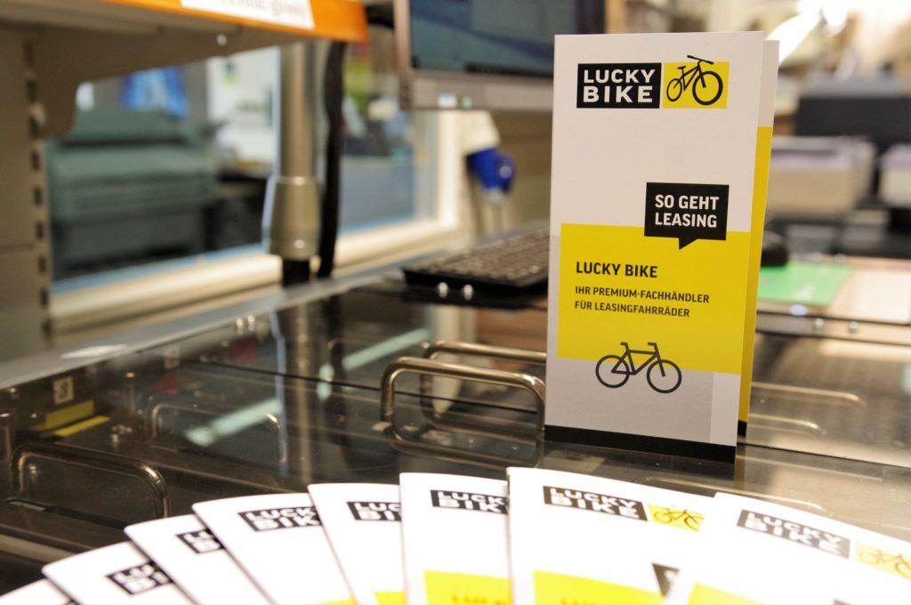 Flyer und Karten Grafik - BKS-Wiesbaden